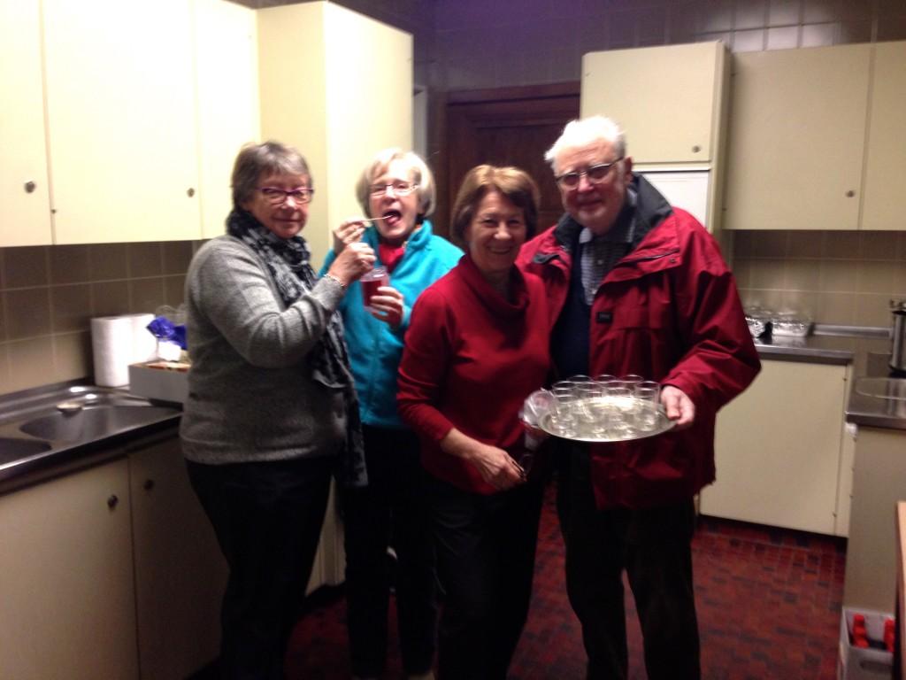 Dès le matin, le comité s'active en cuisine !
