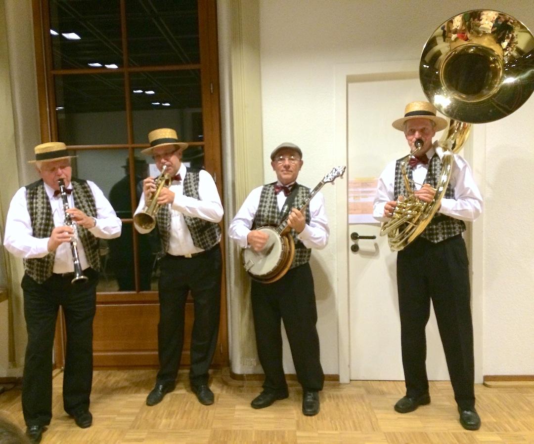 Une formation de Jazz qui n'a plus rien à prouver, à animer joyeusement la soirée.